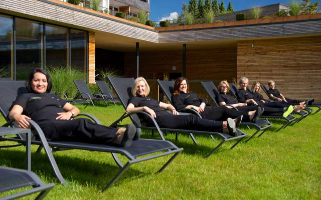 Spa & Beauty Team im Wellnessgarten